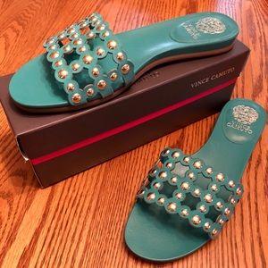 VINCE CAMUTO size 11M sandals